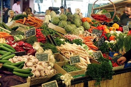 Tessier : Découvrez la ville de Lyon et profitez de la Place Bénédict Tessier pour visiter le marché alimentaire