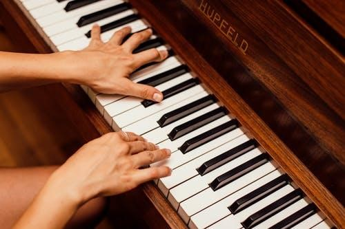 Transporter son piano en toute sécurité : des méthodes faciles !