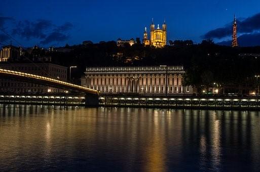 Quelles sont les principales options d'hébergement à Lyon?
